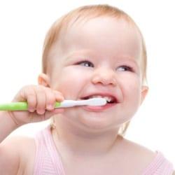 Как ухаживать за полостью рта новорожденного