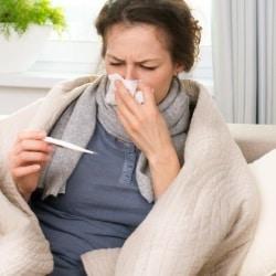 Чем лечиться при простуде кормящей маме?