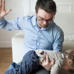 Почему нельзя шлепать детей: 8 весомых причин